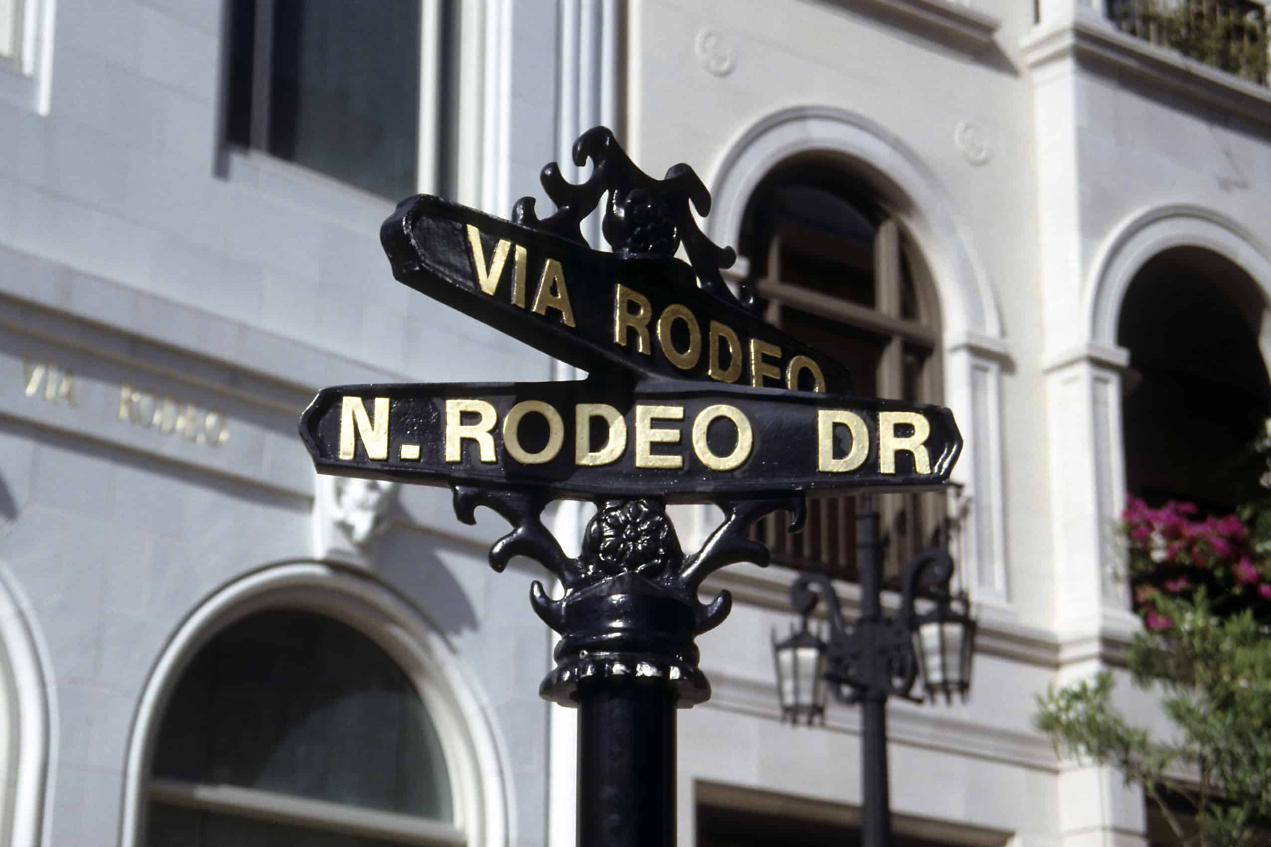 Beverly-Hills-Golden-Triangle-Rodeo-Dr-Beverly-Dr-Luxury-Shopping-Hollywood-life-Beverly-Hills-Magazine-Jacqueline-Maddison