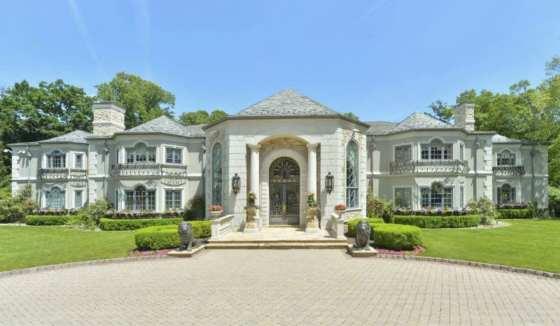 Palatial #Mansion in Saddle River, New Jersey $18,900,000 #beverlyhills #beverlyhillsmagazine #luxury #realestate #homesforsale #newjersey #dreamhomes #beverlyhills #bevhillsmag #beverlyhillsmagazine