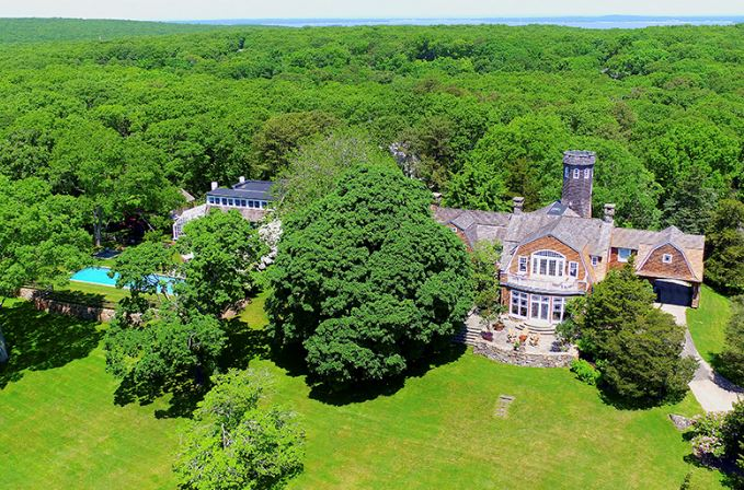 Christie Brinkley's Hampton's Mansion