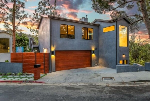 Hollywood hills real estate beverly hills magazine for Luxury houses in beverly hills