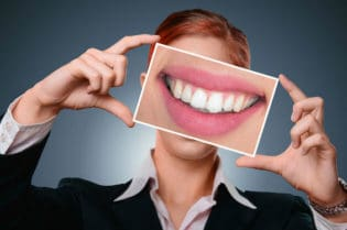 How To Know If Dental Veneers Are Right For You #beauty #teeth #beautiful #smile #bevhillsmag #beverlyhillsmagazine #beverlyhills