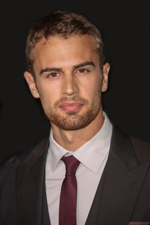 Hollywood Star of the Week: Theo James