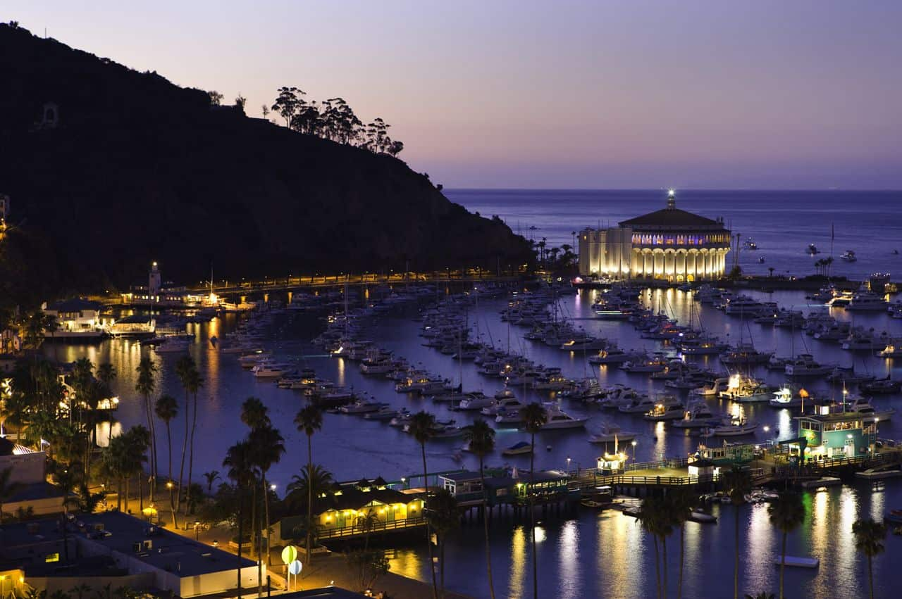 Travel-to-Catalina-Island-City-of-Avalon-Exclusive-Escapes-Weekends-Getaways-Luxury-Travel-Destinations-beverly-hills-magazine-1