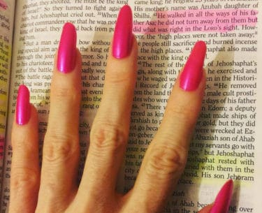 How To Get Beautiful, Natural, Long Nails. #BevHillsMag #beverlyhillsmagazine #beauty #nails