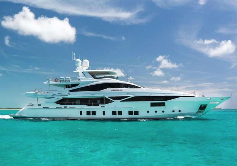 Benetti Veloce Yachts For Sale $13,450,000 #beverlyhills #beverlyhillsmagazine #bevhillsmag #yacht #megayachts #travel #luxury #lifestyle