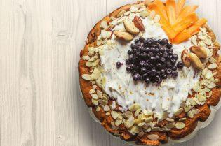 How To Prepare A Gluten-Free Vegan Fruit Cake #baking #cakes #cooking #cook #glutenfree #vegan #fruitcake #love #fruit #beverlyhills #beverlyhillsmagazine #bevhillsmag