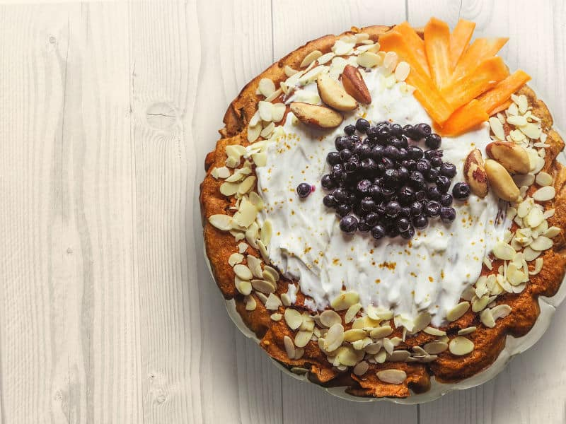 How To Prepare A Gluten-Free Vegan Fruit Cake #baking #cakes #cooking #cook #glutenfree #vegan #fruitcake #love #fruit #beverlyhills #beverlyhillsmagazine #bevhillsmag