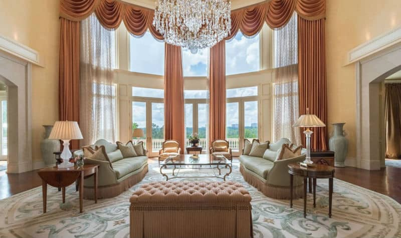 Enchanting Atlanta, Georgia Mega Mansion $25,000,000 #beverlyhills #beverlyhillsmagazine #luxury #realestate #homesforsale #marbella #spain #dreamhomes #beverlyhills #bevhillsmag #beverlyhillsmagazine