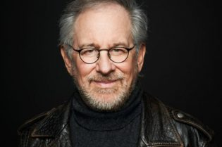 #HollywoodSpotlight Steven Spielberg #celebrities #hollywood #director #producer #movies #famouspeople #beverlyhills #beverlyhillsmagazine #bevhillsmag #moviestars #stevenspielberg