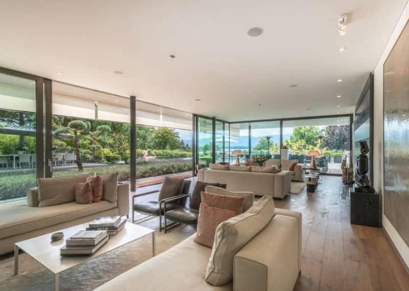 Breathtaking Home In Geneva $16.1 Million #beverlyhills #beverlyhillsmagazine #luxury #realestate #homesforsale #switzerland #dreamhomes #beverlyhills #bevhillsmag #beverlyhillsmagazine