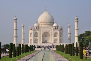 5 Places in Khan Market, India To Visit #india #dlehi #travel #beverlyhillsmagazine #khan