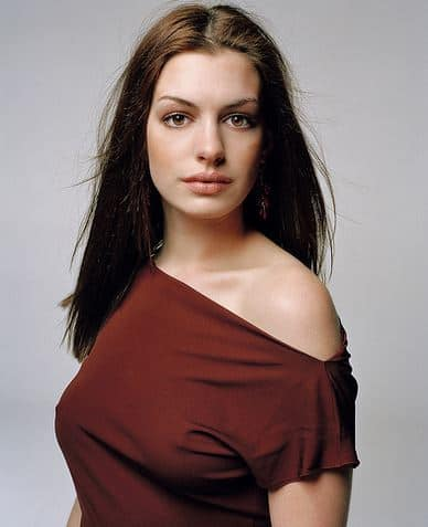 Celebrity of the Week: Anne Hathaway