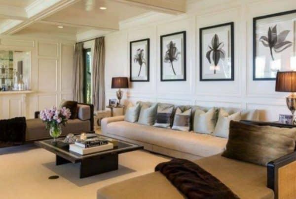 Jennifer Lopez Sells Mansion