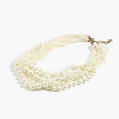 Classy Pearl Necklace. BUY NOW!!! #BevHillsMag #fashion #shopping #shop #style #beverlyhillsmagazine #beverlyhills #jewelry