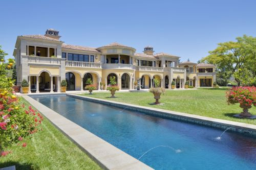 Douglas elliman beverly hills beverly hills magazine for Luxury homes for sale in beverly hills