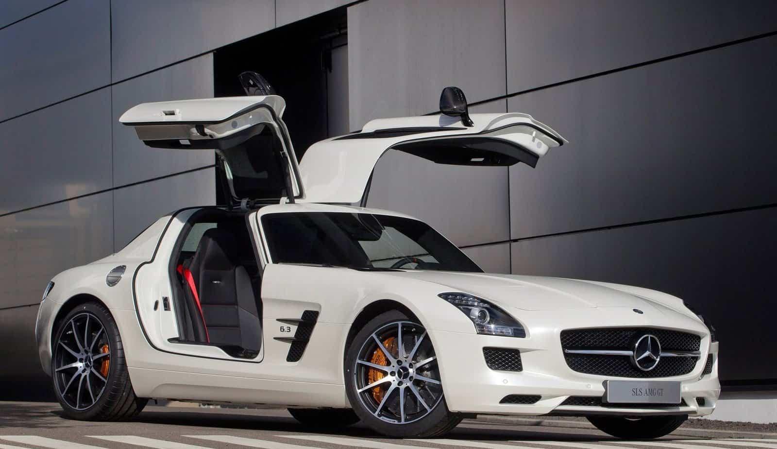 Dream-Cars-Mercedes-Benz-SLS-AMG-GT-Beverly-Hills-Magazine-1