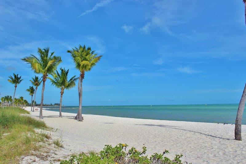 How to Travel Around Florida Easily #travel #florida #vacation #luxury #getaway #vacations #beverlyhills #beverlyhillsmagazine #bevhillsmag