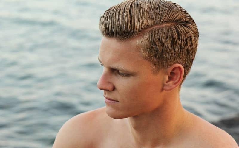 7 Cool Hairstyles For Men 2018 #hairstyles #styleformen #manstyle #styles #hair #style #hairdos #manstuff #beverlyhills #beverlyhillsmagazine #bevhillsmag #manbun #haircut