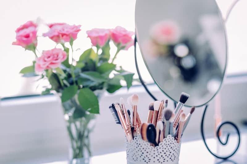 Best Style & Beauty Tips For Summer #BevHillsMag #beverlyhillsmagazine #fashion #style #shopping  #summer #beauty #makeup