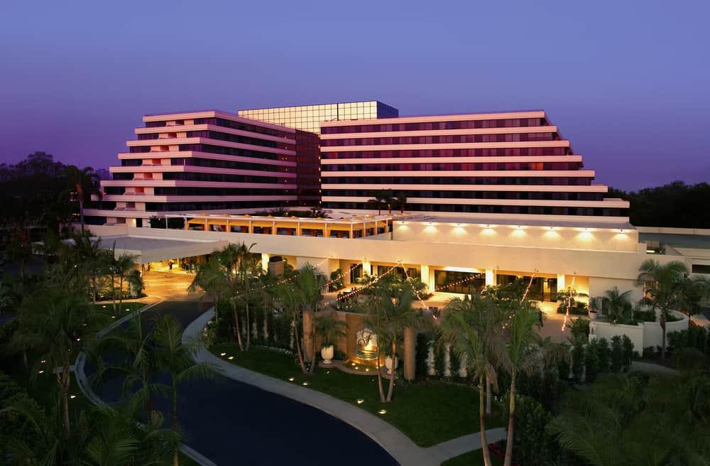 Exclusive Luxury Hotel Fairmont Newport Beach
