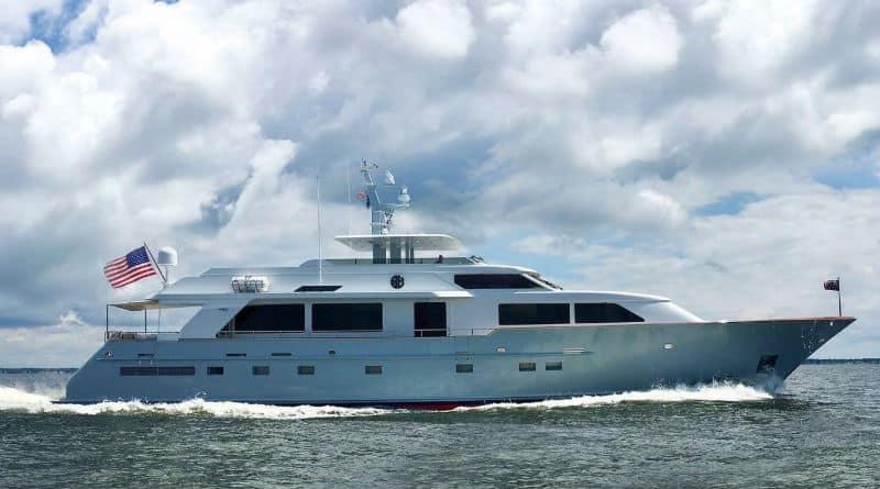 Sea Bound #Burger Yacht $2,250,000 ❤️✨ #luxury #yachting #life #yachts #yachtcharter #yacht #luxury #life #yachtlife #yachtclub #travel #lifestyle #beverlyhills #BevHillsMag