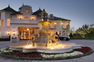 Sculpture Design Imports for Luxury Homes