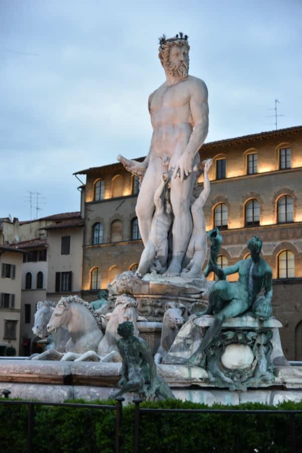 Hotel Savoy #Florence #italy #travel #5star #luxury #hotels #england #beverlyhills #beverlyhillsmagazine #bevhillsmag