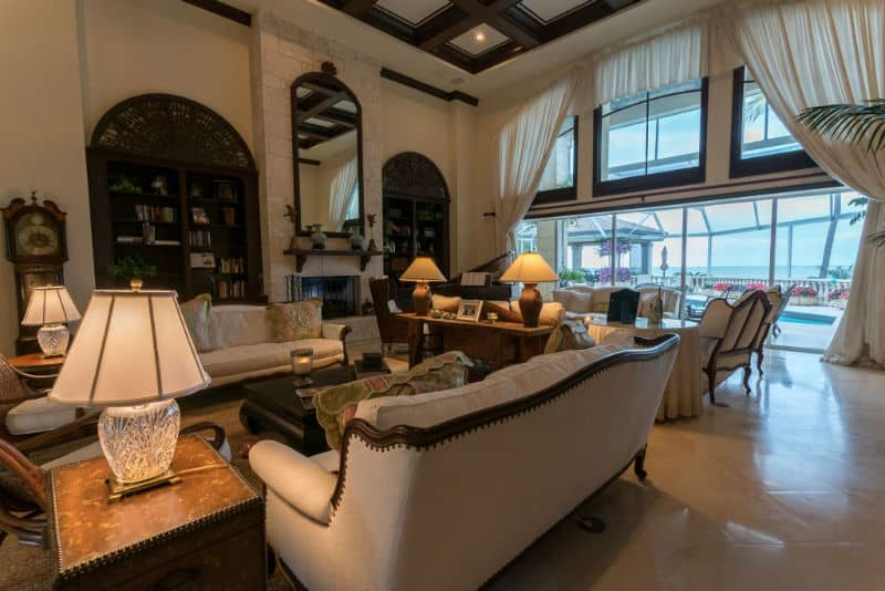 Kathie Lee Gifford Miami Mansion For Sale #celebrity #homes #dreamhomes #beverlyhillsmagazine #BevHillsMag