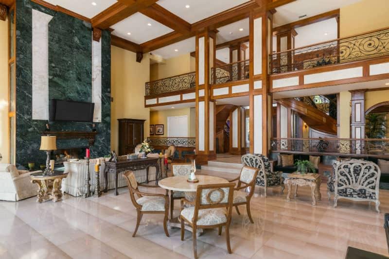 Shaquille O'Neal Mansion For Sale $28 Million #luxury #homes #celebrity #realestate #manions #beverlyhills #beverlyhills #bevhillsmag