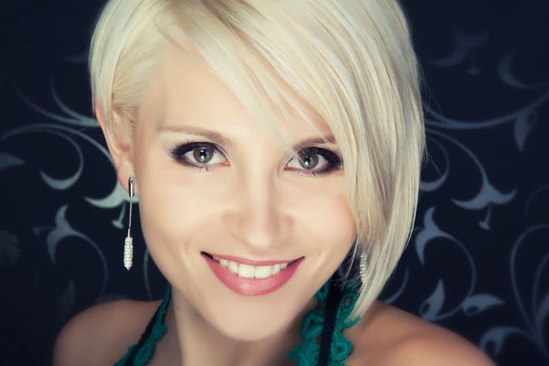 5 Of the Most Elegant Short #Hairstyles For Women #BevHillsMag #beverlyhillsmagazine beauty