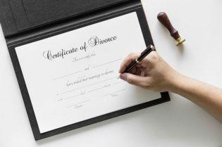 How To Cope With Divorce and Child Custody #relationships #marraige #divorce #beverlyhills #beverlyhillsmagazine