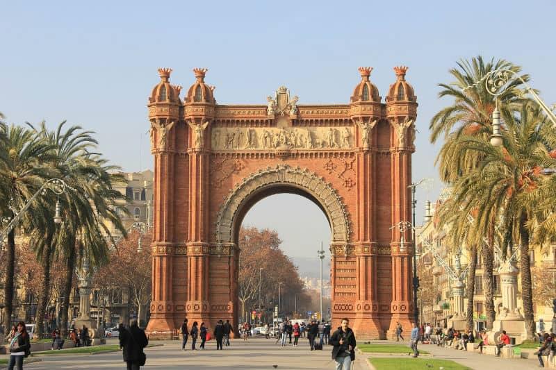 How to Enjoy Your Trip to Spain to the Fullest #travel #spain #espana #europe #vacations #bucketlist #beverlyhillsmagazine #bevhillsmag #beverlyhills